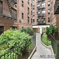 132-35 Sanford Ave Lc, Flushing, NY 11355 (MLS #2960970) :: Netter Real Estate