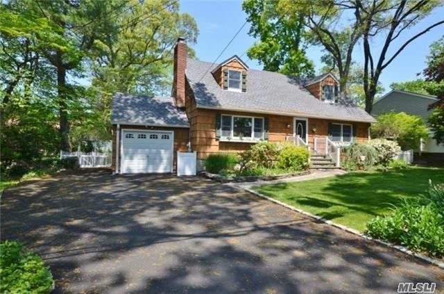 7 Mayflower Ct, Centerport, NY 11721 (MLS #2961723) :: Signature Premier Properties
