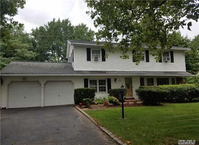 23 Clay Pitts Rd, Greenlawn, NY 11740 (MLS #2961923) :: Signature Premier Properties