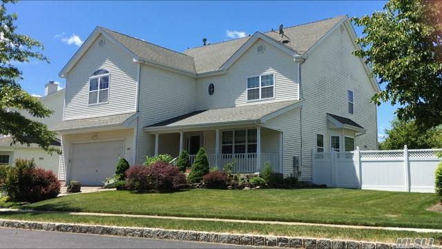 222 Rivendell Ct, Melville, NY 11747 (MLS #2963039) :: Signature Premier Properties