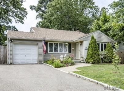 271 Laurel Rd, E. Northport, NY 11731 (MLS #2964238) :: Signature Premier Properties