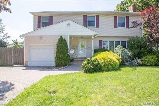 2 Rosewood Pl, Melville, NY 11747 (MLS #2964358) :: Signature Premier Properties