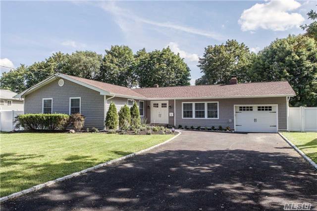3 Lisa Dr, Northport, NY 11768 (MLS #2964383) :: Signature Premier Properties