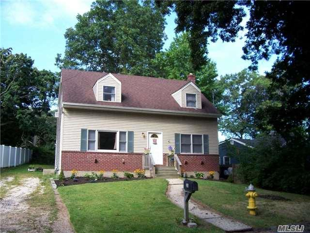 35 Circle Dr, E. Northport, NY 11731 (MLS #2964391) :: Signature Premier Properties