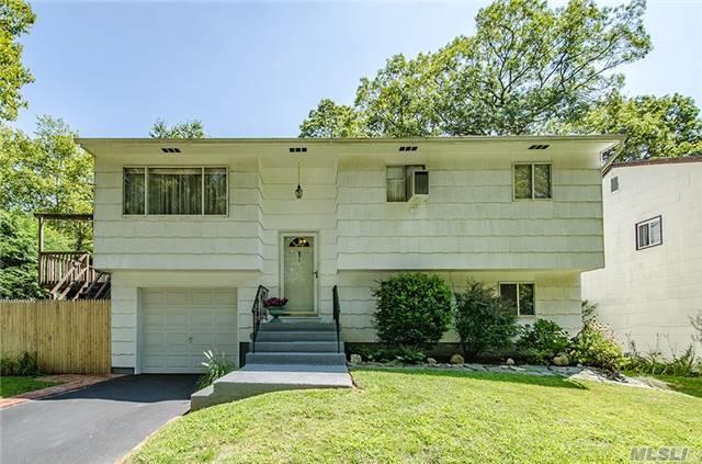 264 Melville Rd, Huntington Sta, NY 11746 (MLS #2964571) :: Signature Premier Properties