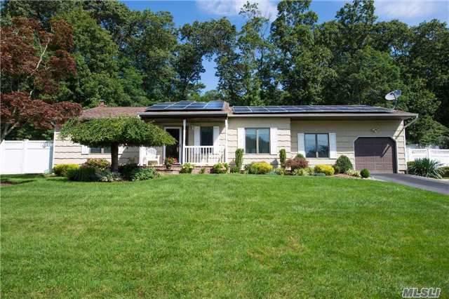 119 Truxton Rd, Dix Hills, NY 11746 (MLS #2964878) :: Signature Premier Properties