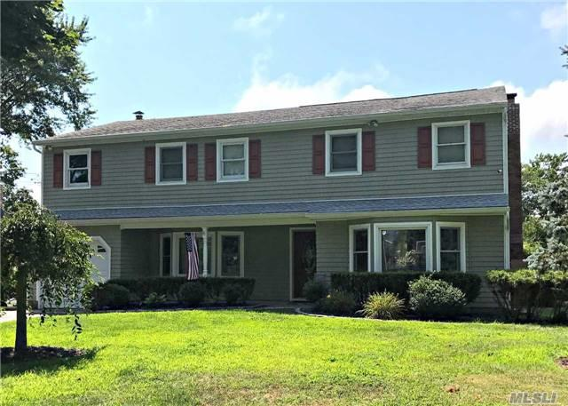242 Bayview Dr S, Oakdale, NY 11769 (MLS #2964951) :: Signature Premier Properties