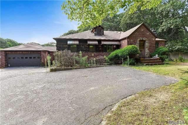 60 Meadow Glen Rd, Northport, NY 11768 (MLS #2964996) :: Signature Premier Properties
