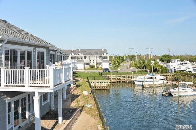 21 Ocean Watch Ct #21, Freeport, NY 11520 (MLS #2965247) :: Keller Williams Homes & Estates