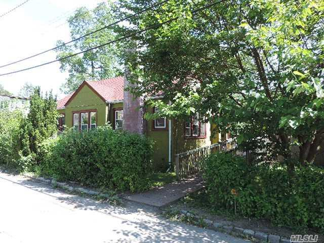 172 4th Ave, Huntington Sta, NY 11746 (MLS #2965294) :: Signature Premier Properties