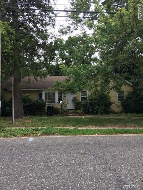 521 Nicolls Rd, Deer Park, NY 11729 (MLS #2965393) :: Signature Premier Properties