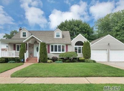 1788 State St, Merrick, NY 11566 (MLS #2965441) :: Signature Premier Properties