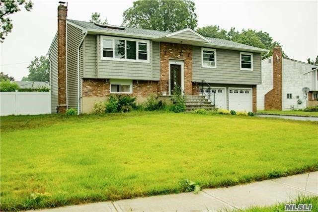 5 Pebble Pl, Commack, NY 11725 (MLS #2965503) :: Signature Premier Properties
