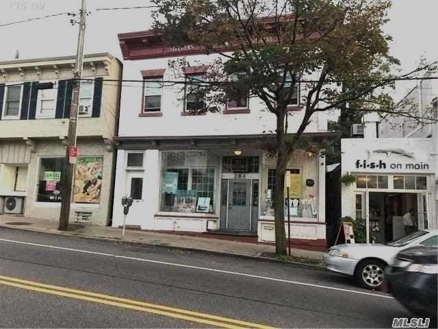284 Main St, Port Washington, NY 11050 (MLS #2966127) :: Netter Real Estate