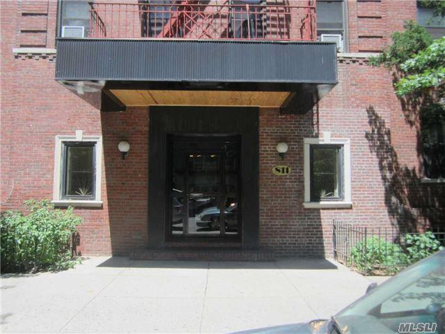 811 Cortelyou Rd 5D, Brooklyn, NY 11218 (MLS #2970291) :: Netter Real Estate