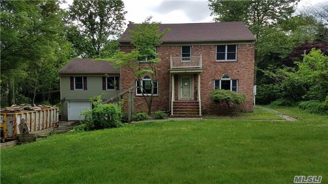 1 Woodmere Dr, Fort Salonga, NY 11768 (MLS #2972207) :: The Lenard Team