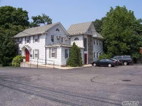 168 Forest Ave, Locust Valley, NY 11560 (MLS #2972777) :: The Lenard Team