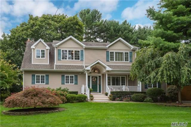 2 Geneva Pl, Greenlawn, NY 11740 (MLS #2972779) :: The Lenard Team