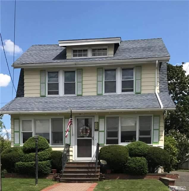 330 Hamilton Ave, Hewlett, NY 11557 (MLS #2972975) :: The Lenard Team