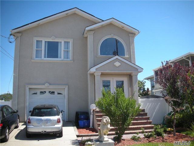 791 S Long Beach Ave, Freeport, NY 11520 (MLS #2972998) :: The Lenard Team
