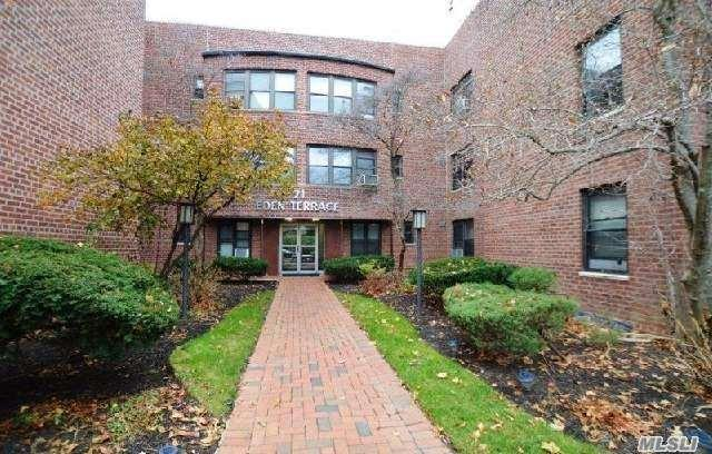 71 Grace Ave 1H, Great Neck, NY 11021 (MLS #2974352) :: Netter Real Estate