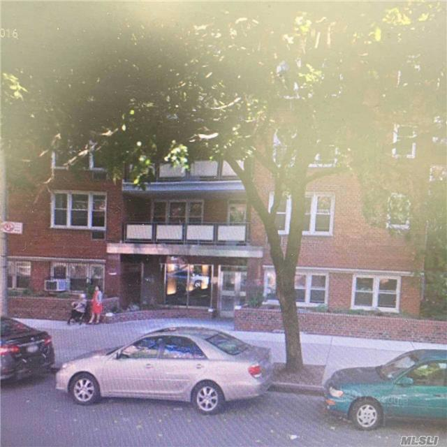 144-70 41th Ave 5F, Flushing, NY 11355 (MLS #2974946) :: Netter Real Estate