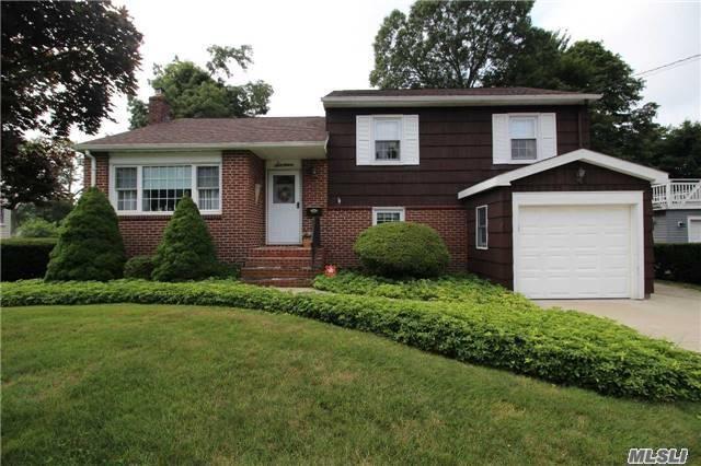 16 E 16 St, Huntington Sta, NY 11746 (MLS #2975578) :: Platinum Properties of Long Island