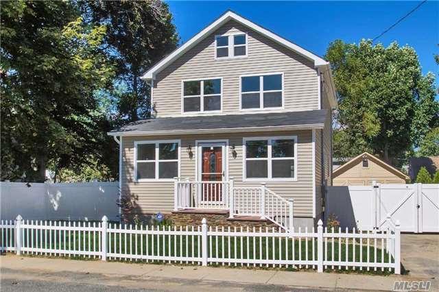 4 Caldwell St, Huntington Sta, NY 11746 (MLS #2975719) :: Platinum Properties of Long Island