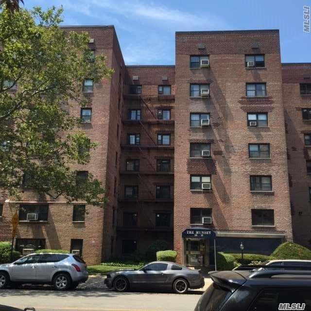 29-10 137th St 4 J, Flushing, NY 11354 (MLS #2977254) :: Netter Real Estate