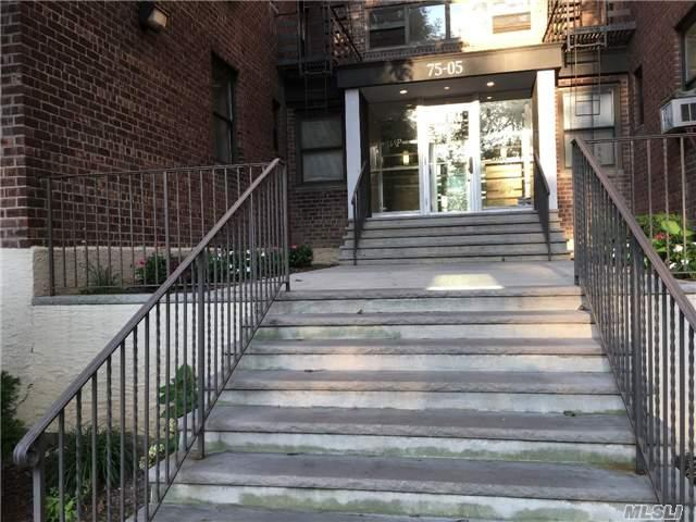 75-05 210th St 6H, Bayside, NY 11364 (MLS #2977296) :: Shares of New York