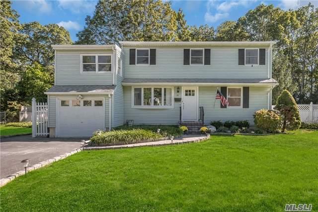 34 Quebec Dr, Huntington Sta, NY 11746 (MLS #2977366) :: Platinum Properties of Long Island