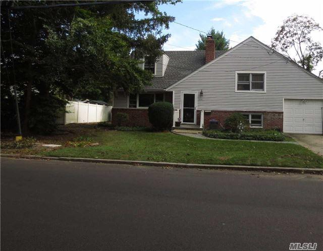 318 W West Hills Rd, Huntington Sta, NY 11746 (MLS #2977703) :: Platinum Properties of Long Island