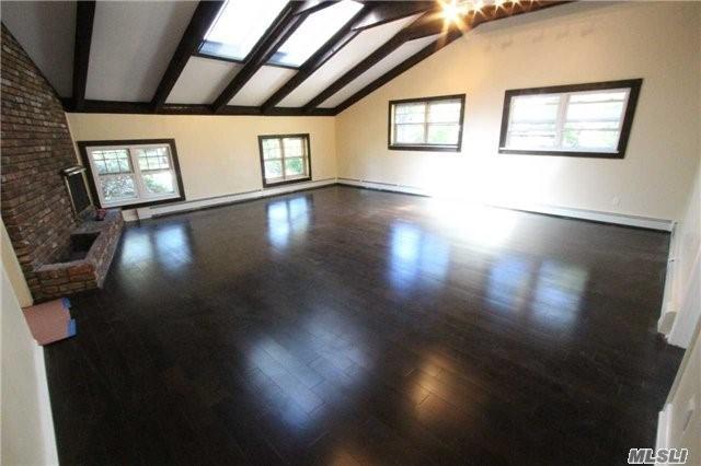 10 Schoolhouse Way, Dix Hills, NY 11746 (MLS #2978071) :: Platinum Properties of Long Island