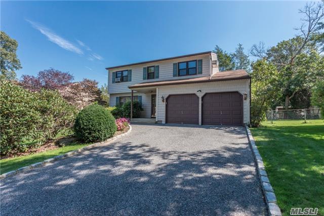 10 Kantor Ave, Dix Hills, NY 11746 (MLS #2978120) :: Platinum Properties of Long Island