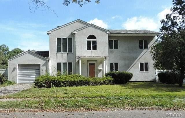 11 Spartan Pl, Dix Hills, NY 11746 (MLS #2978140) :: Platinum Properties of Long Island