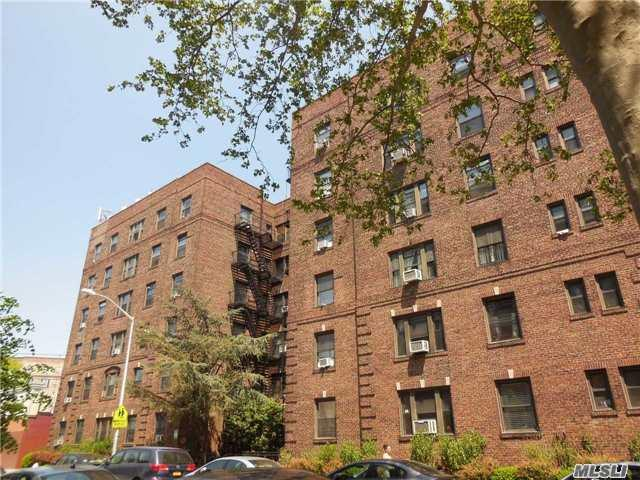 31-21 54 St, Woodside, NY 11377 (MLS #2978155) :: Netter Real Estate