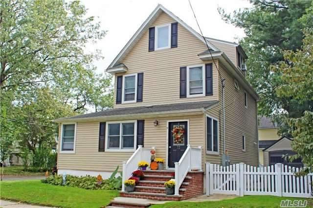 72 Floral Blvd, Floral Park, NY 11001 (MLS #2978248) :: Netter Real Estate
