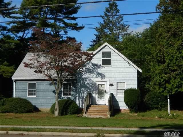 5 Seaman Neck Rd, Dix Hills, NY 11746 (MLS #2978390) :: Platinum Properties of Long Island