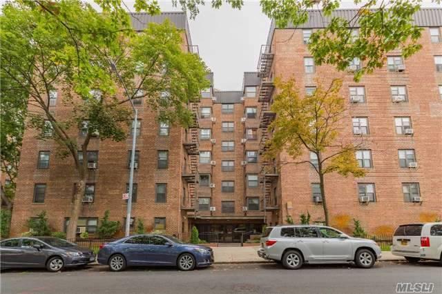 32-43 90 St #305, E. Elmhurst, NY 11369 (MLS #2978427) :: Netter Real Estate