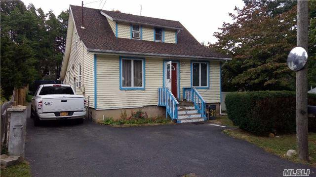21 3rd Avenue, Huntington Sta, NY 11746 (MLS #2978796) :: Platinum Properties of Long Island