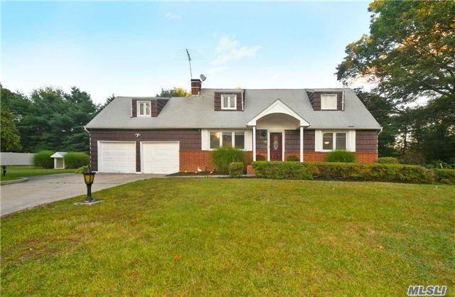 22 Ona Ave, Dix Hills, NY 11746 (MLS #2979058) :: Platinum Properties of Long Island