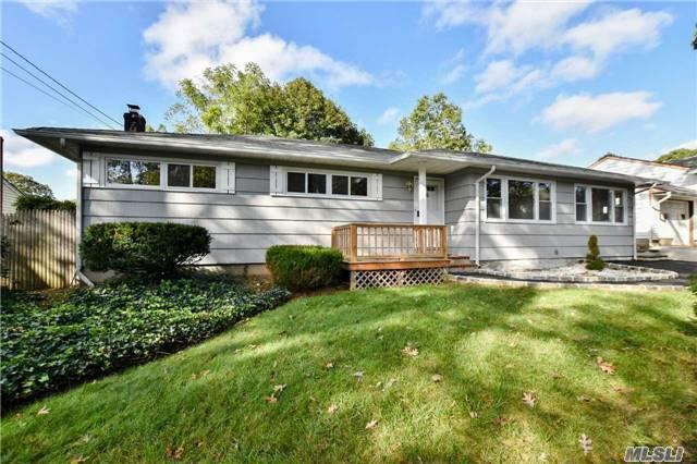 6 Jones Ln, Huntington, NY 11743 (MLS #2979196) :: Platinum Properties of Long Island