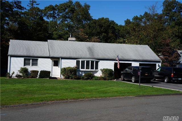 2 Scott Dr, Melville, NY 11747 (MLS #2979646) :: Platinum Properties of Long Island