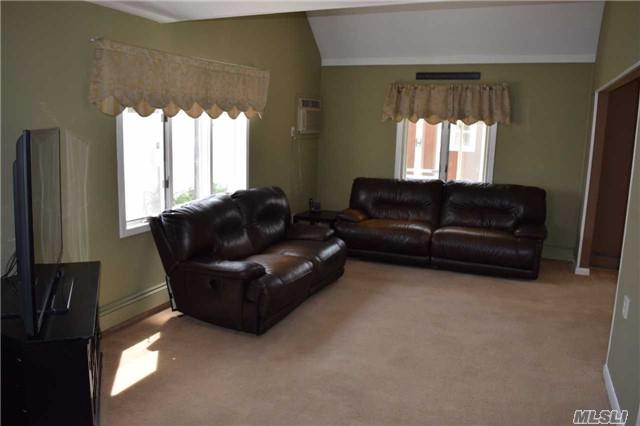 40 Deer Ln, Wantagh, NY 11793 (MLS #2979799) :: Platinum Properties of Long Island