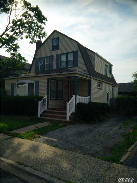 1075 Cedar Ln, Woodmere, NY 11598 (MLS #2979812) :: Platinum Properties of Long Island