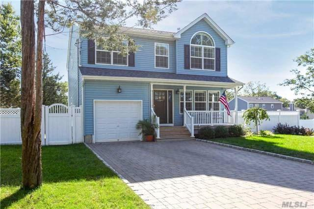 34 Delamere St, Huntington, NY 11743 (MLS #2979854) :: Platinum Properties of Long Island