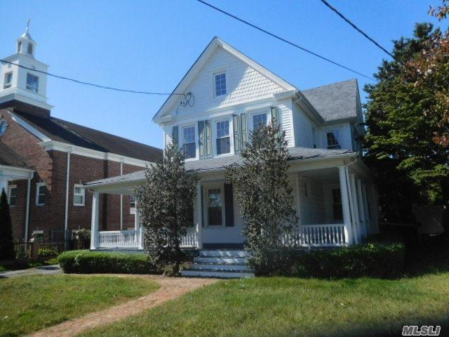 42 Cherry Ave, W. Sayville, NY 11796 (MLS #2979917) :: The Lenard Team