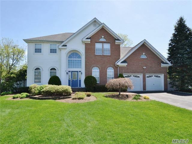 5 Truesdale Ct, Huntington, NY 11743 (MLS #2979952) :: Platinum Properties of Long Island