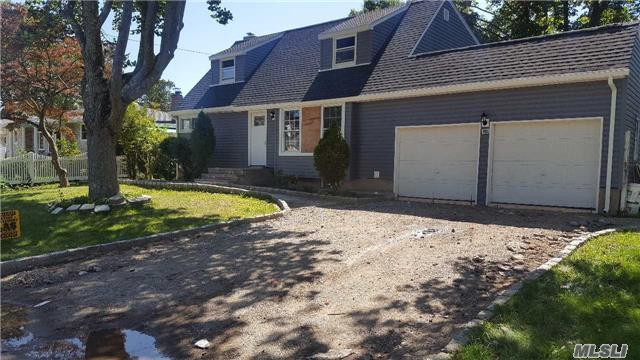 126 Floyd St, Brentwood, NY 11717 (MLS #2980009) :: The Lenard Team