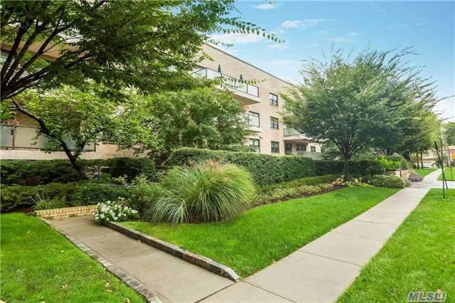 22 Park Pl 4L, Great Neck, NY 11021 (MLS #2980250) :: Platinum Properties of Long Island